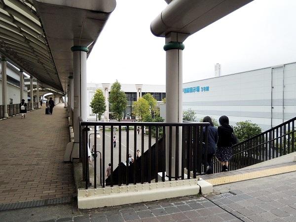 市民広場駅階段
