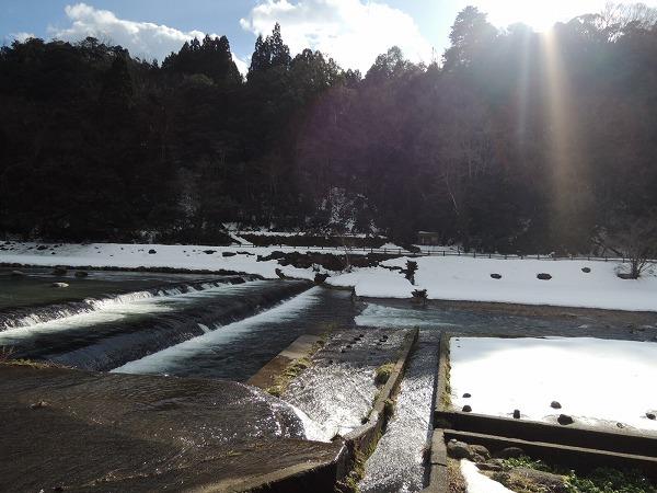 三朝川の雪解け水
