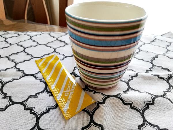 アルポカヒートスムージーとマグカップ
