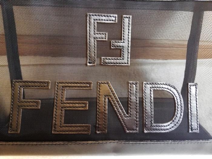 FENDIメッシュバッグ