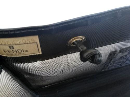 FENDIのメッシュバッグ