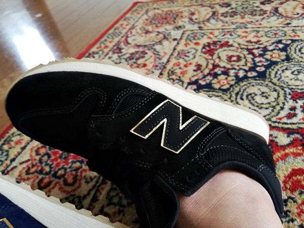 ニューバランスのWL520ブラック