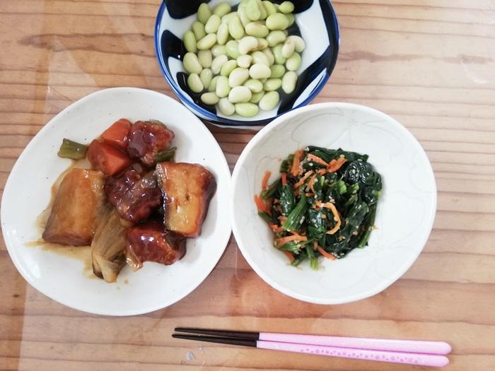 わんまいる大阪泉州産水茄子と石見ポークの酢豚・ほうれん草と人参の胡麻和え・秘伝豆