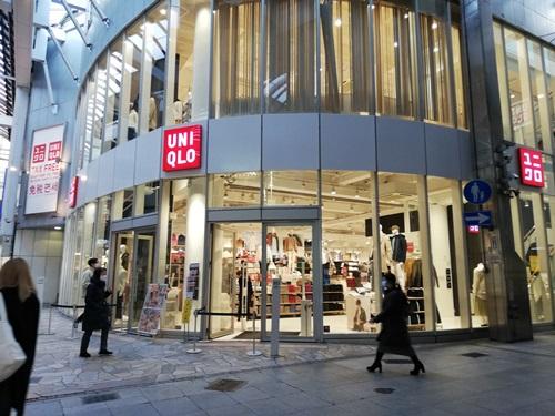 ユニクロ三宮店