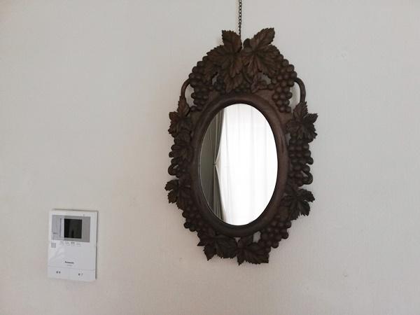 手彫りした鏡